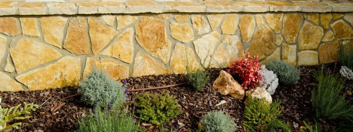 Fant stico piedras para jardineras colecci n ideas de for Jardineras de piedra natural